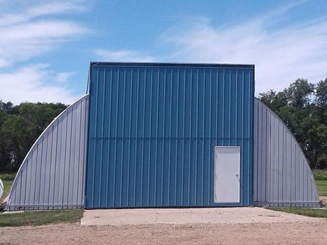 Curvet building bi-fold door